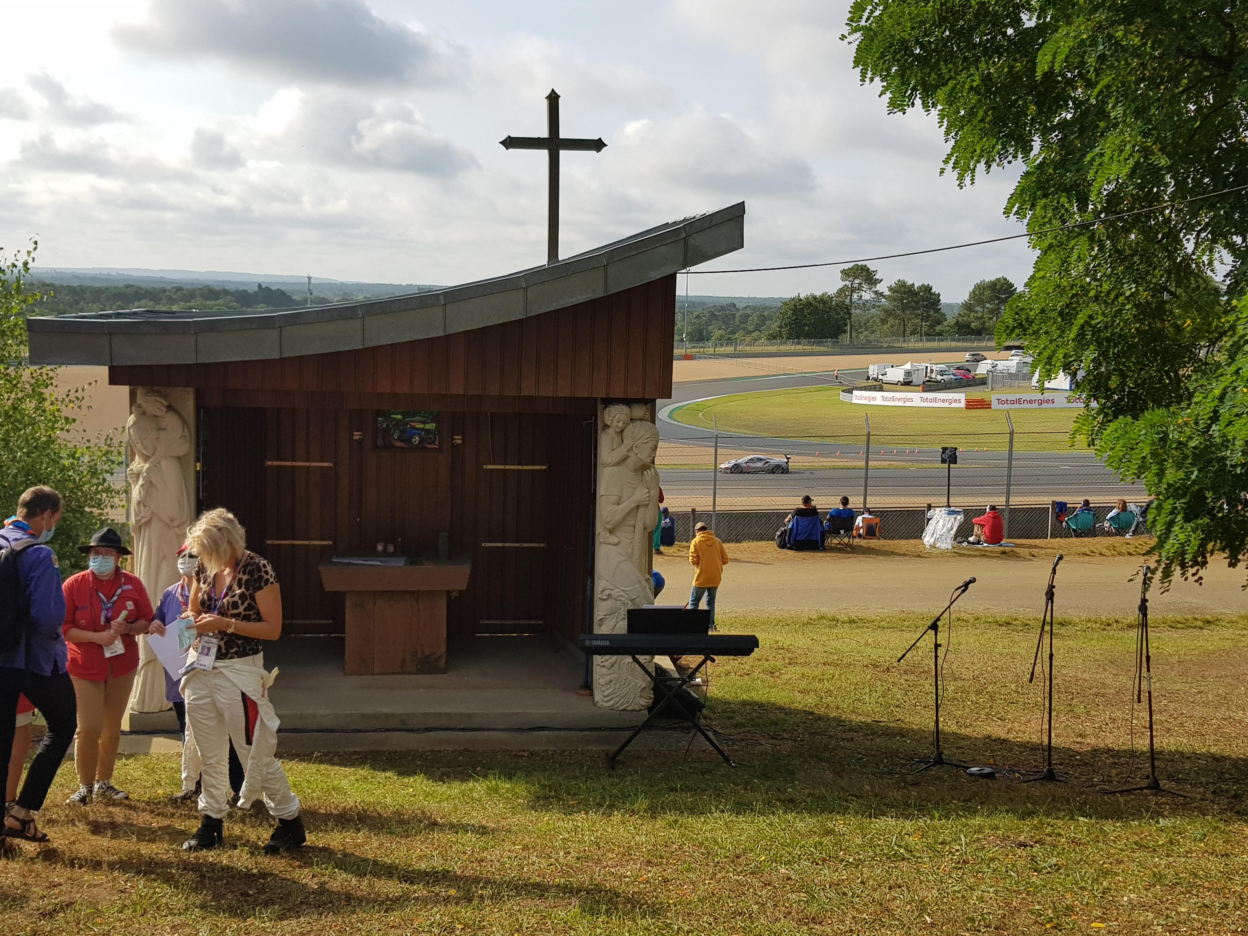 La chapelle du circuit.